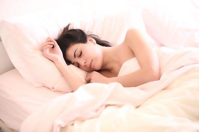 sypialnia w stylu romantycznym