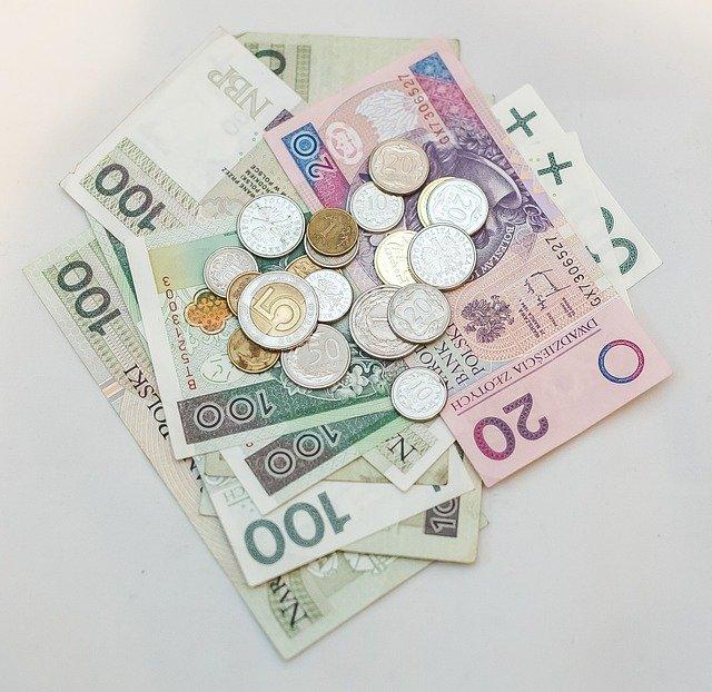 skrytki na pieniądze w domu